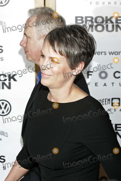 Jamie Lee Curtis Photo - the Premiere of Brokeback Mountain at Mann National Theater in Westwood CA 11292005 Photo by Roger Harvey-Globe Photos Inc 2005 Jamie Lee Curtis