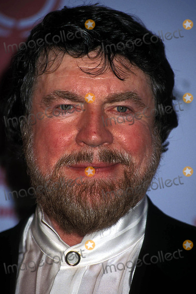 Alan Bates Photo - 2002 Tony Awards at Radio City Music Hall New York City 06022002 Photo Sonia Moskowitz Globe Photos Inc 2002 Alan Bates Alanbatesretro