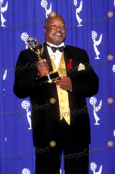 Paul Winfield Photo - 1995 Emmy Awards Paul Winfield Photo by Fitzroy BarrettGlobe Photosinc Paulwinfieldretro