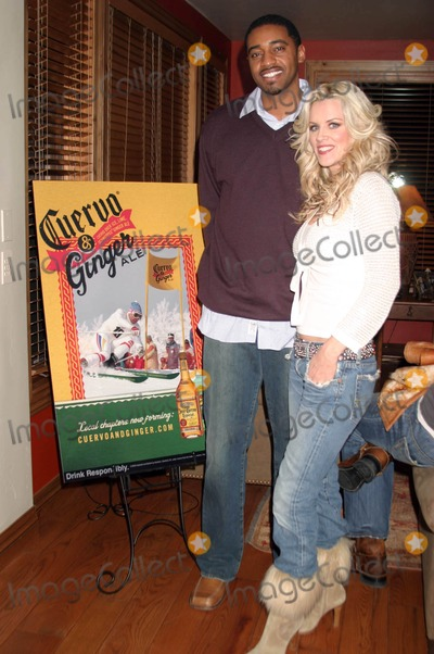 Andre Branch Photo - I9386CHW DIRTY LOVE DINNER PARTY AT THE CUERVO  GINGER HOUSE HOSTED BY CINEVEGAS ROCK  REPUBLIC CUERVO  GINGER AND LIVESTYLE ENTERTAINMENTSUNDANCE FILM FESTIVAL PARK CITY UTAH01-23-05PHOTO CLINTON H WALLACE-IPOL-GLOBE PHOTOSCOPYRIGHT 2005JENNY MCCARTHY AND ANDRE BRANCH - PARTY HOST