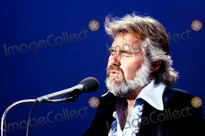 Kenny Rogers Photo - Kenny Rogers Photo Bygeorge F ThompsonGlobe Photos Inc 1979 Kennyrogersretro