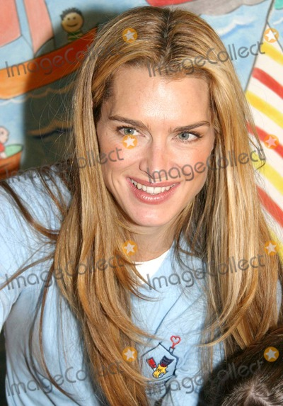 Ronald McDonald Photo - Brooke Shields Reads Cook and Plays with Children with Cancer As Her New Role As Ambassador For Ronald Mcdonald House Charities at the Ronald Mcdonald House 405 East 73rd Street  New York City 10052004 Photo by Barry TalesnickipolGlobe Photos
