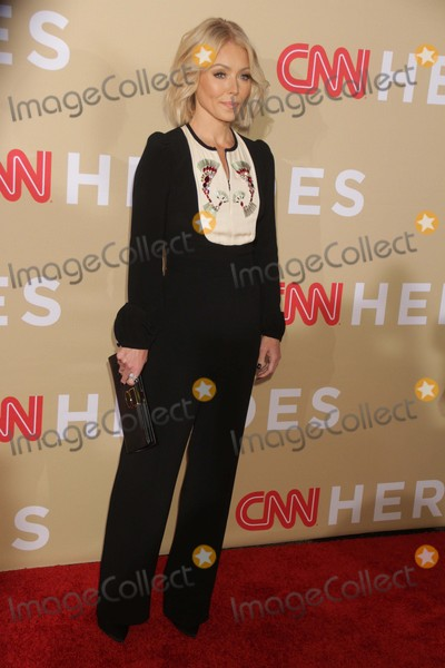 Kelly Ripa Photo - Kelly Ripa at Cnn Heroesan All-star Tribute at American Museum of National History11-17-2015 John BarrettGlobe Photos