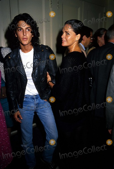 Ali Macgraw Pictures and Photos