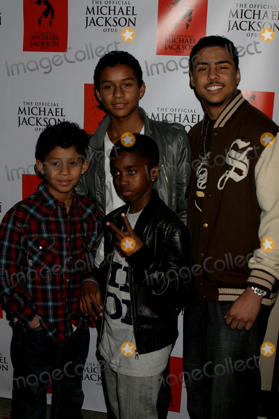 Al B Sure Photo - I14537CHW The Official Michael Jackson Opus Publication And Unveiling Reception The Luxe Hotel Bel-Air CA  120809 JAAFAR JACKSON AND JERMAJESTY JACKSON - SONS OF JERMAINE JACKSON WITH CHRISTIAN COMBS- SON OF SEAN PDIDDY COMBS AND QUINCY BROWN - SON OF MUSICIAN AL BSURE  Photo Clinton H Wallace-Photomundo-Globe Photos Inc 2009