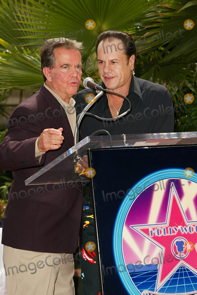 Harry Wayne Casey Photo - Kc  the Sunshine Band Honored a Hollywood Walk of Fame Star in Los Angeles CA Dick Clark and Kc - Harry Wayne Casey Photo by Fitzroy Barrett  Globe Photos Inc 7-30-2002 K25712fb (D)