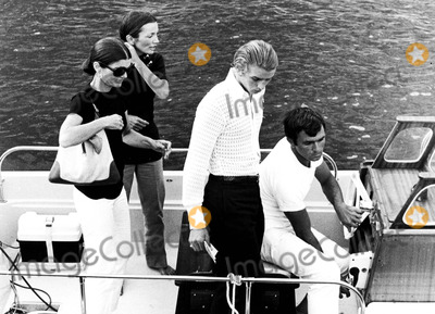 Jacqueline Kennedy Onassis Photo - Jacqueline Kennedy Onassis and Her Sister Lee Radzwill Supplied by Globe Photos Inc