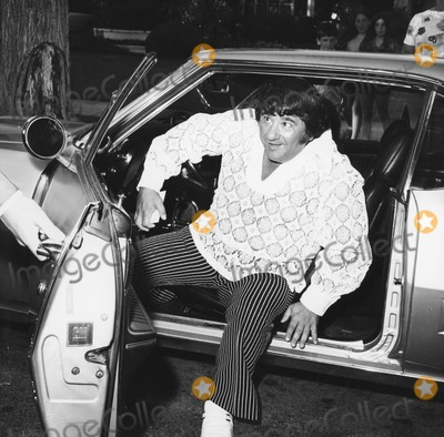 Buddy Hackett Photo - Buddy Hackett Arrives at the Wedding of Lucie Arnaz and Phil Van Dervort 1971 Photo by Globe Photos Inc Buddyhackettretro