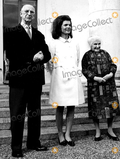 Jacqueline Kennedy Onassis Photo - Jacqueline Kennedy Onassis Pat SweeneyGlobe Photos Inc Jacquelinekennedyonassisobit
