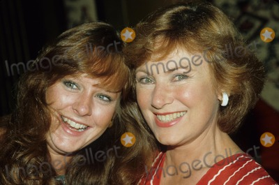 Mary McDonough Photo - Marion Ross with Mary Mcdonough E0575b Photo by Bob V Noble-Globe Photos Inc