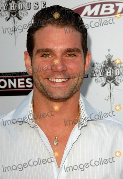 Andrew DiPalma Photo - Andrew Dipalma attends the Los Angeles Premiere of the Joneses Held at the Arclight Theater in Hollywood CA 04-08-10 Photo by D Long- Globe Photos Inc 2010