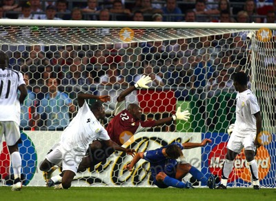 Andrea Pirlo Photo - Italy Vs Ghana 06-12-2006 Hannover Germany Photo by Richard Sellers-Globe Photos Inc 2006 Andrea Pirlo Scores Opener