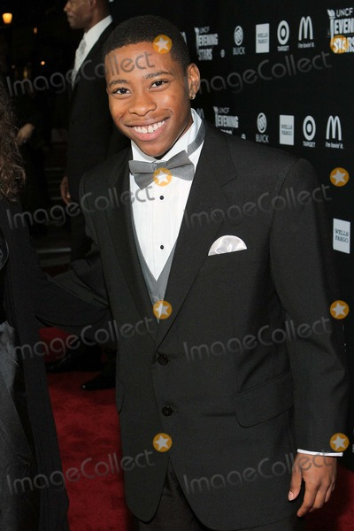 Carlon Jeffery Photo - Carlon Jeffery attends Uncf an Evening of Stars 2012 1st December 2012 at the Pasadena Convention Center PasadenacaliforniausaphototleopoldGlobe Photos