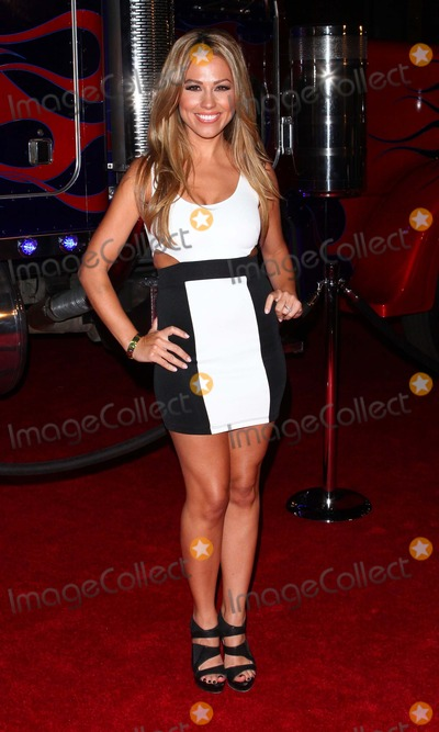 Jessica Hall Photo - Jessica hallthe 2011 Maxim Hot 100 Party  Held at  the Eden Nightclub Los Angeles CA May 11 - 2011 photo tleopoldglobephotos