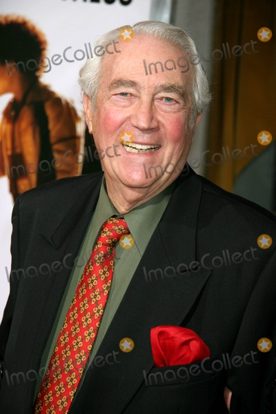 James Karen Photo - the Pursuit of Happyness World Premiere Benefiting the American Film Institute Mann Village Theatre Westwood CA 12-07-2006 James Karen Photo Clinton H Wallace-photomundo-Globe Photos Inc