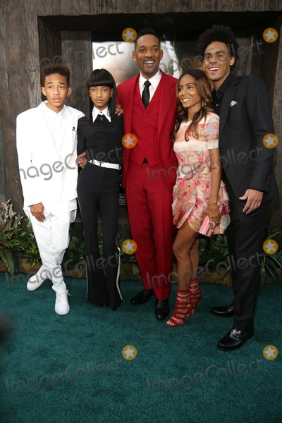 Jada Pinkett Smith Photo - After Earth Us Premiere Ziegfeld Theater NYC May 29 2013 Photos by Sonia Moskowitz Globe Photos Inc 2013 Jaden Smith Willow Smith Will Smith Jada Pinkett Smith and Trey Smith Attend the After Earth Premiere
