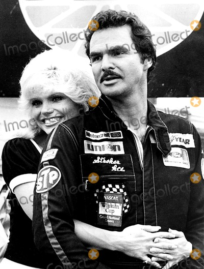 Burt Reynolds Photo - Loni Anderson and Burt Reynolds Stroker Ace Supplied by DmGlobe Photos Inc