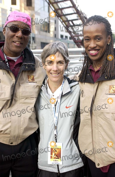 Jackie Joyner-Kersee Photo - The City of Los Angeles Marathon 20th Anniversary March 6 2005 in Los Angeles California Robert Kersee First Winner of the LA Marathon Joanie Samuelson-benoit Jackie Joyner -Kersee Photo by Valerie Goodloe-Globe Photos Inc 2005