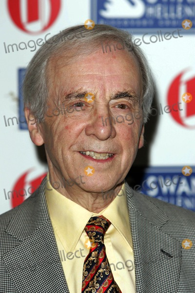 Andrew Sachs Photo - Andrew Sachs Actor Oldie of the Year Awards 2009 at Simpsons in the Strand in London 02-24-2009 Photo by Neil Tingle-allstar-Globe Photos Inc