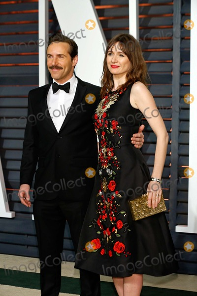 Alessandro Nivola Photo - Alessandro Nivola Emily Mortimer Vanity Fair Oscar Party 2015 Beverly Hills CA February 22 2015 Roger Harvey