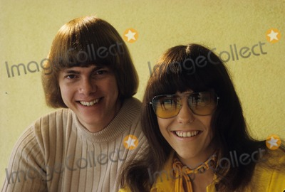 Karen Carpenter Photo - Karen Carpenter Richard Carpenter Supplied by Globe Photos Inc