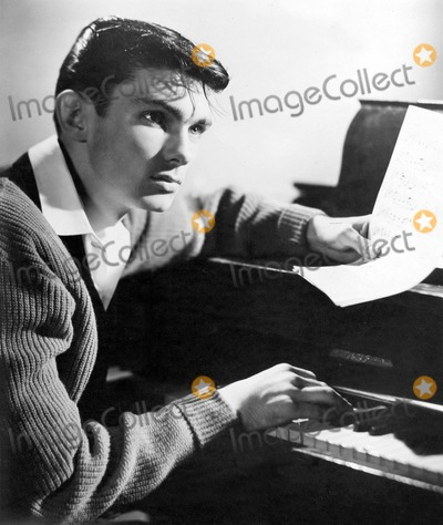 Gene Pitney Photo - Gene Pitney 03-13-1961 Supplied by Globe Photos Inc Genepitneyretro