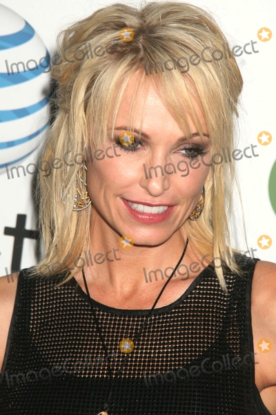 Josie Bissett Photo - Melrose Place Launch Party Hosted by Att and the Cw Melrose Place  Melrose Ave Hollywood CA 082209 Josie Bissett Photo Clinton H Wallace-photomundo-Globe Photos Inc
