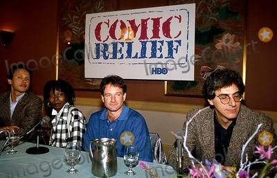 Harold Ramis Photo - Comic Relief Billy Crystal Whoopi Goldberg Robin Williams and Harold Ramis Photo Byrobert LandauGlobe Photos Inc