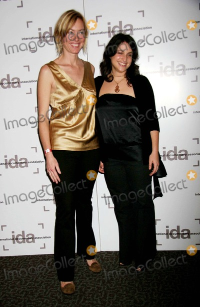 Annie Sundberg Photo - I11418CHW 2006 DISTINGUISHED DOCUMENTARY ACHIEVEMENT AWARDS GALA BENEFIT PRESENTED BY THE INTERNATIONAL DOCUMENTARY ASSOCIATION  DIRECTORS GUILD OF AMERICA LOS ANGELES CA12-08-2006ANNIE SUNDBERG AND KATIE BROWN PHOTO CLINTON H WALLACE-PHOTOMUNDO-GLOBE PHOTOS INC