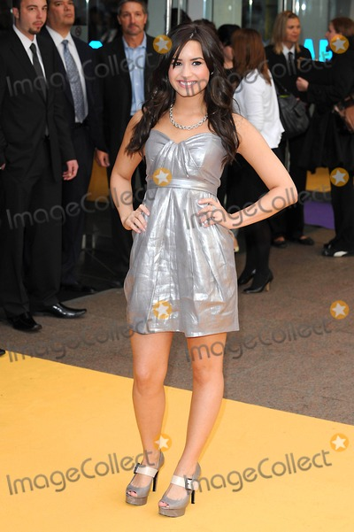 Hannah Montana Photo - Devi Lovato Hannah Montana Premiere Arrivals at Odeon Leicester Square in London United Kingdom 04-23-2009 Photo by Mark Chilton-richfoto-Globe Photos Inc