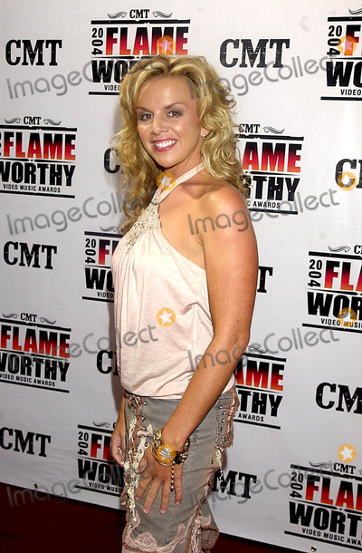 Amy Dalley Photo - Cmt 2004 Flame Worthy Video Music Awards (Red Carpet Arrivals) at the Gaylord Entertainment Center in Nashville TN 4212004 Photo Byjohn KrondesGlobe Photos Inc 2004 Amy Dalley