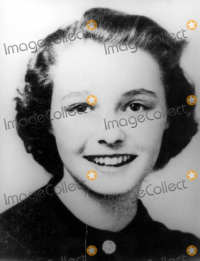 Patricia Neal Photo - Patricia Neals School Photo 30030 Photo by Globe Photos Inc Patricianealretro