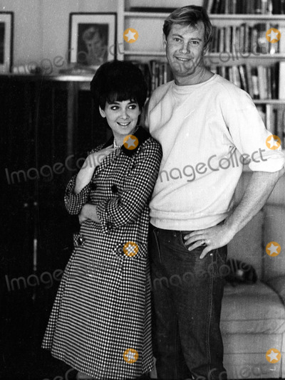 Troy Donahue Photo - Suzannepleshetteretro Suzanne Pleshette Troy Donahue 20582 Photo by Don Ornitz-Globe Photos 02-