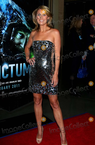 ALLISON CRATCHLEY Photo - Allison Cratchley Actress the World Premiere of Sanctum Held at the Manns Chinese 6 Theatre in Hollywood California on 01-31-2011 photo by Graham Whitby Boot-allstar - Globe Photos Inc