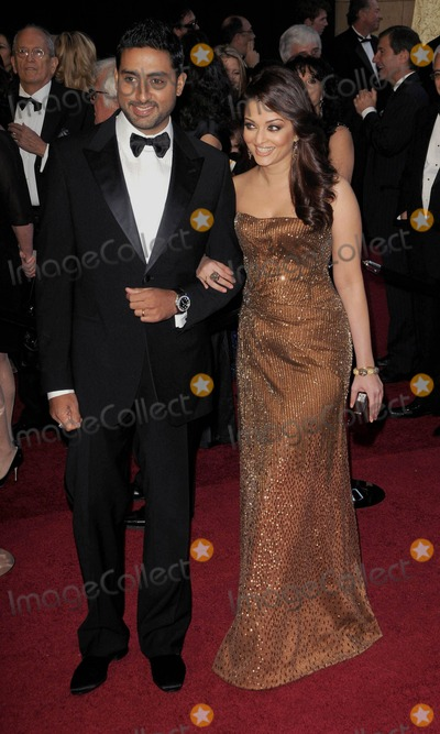 Abhishek Bachchan Photo - Abhishek Bachchan Aishwarya Rai Bachchan 83rd Annual Academy Awards (Arrivals) Held at the Kodak Theatrelos Angelesca February 27 - 2011 photo D Long - Globe Photos Inc 2011