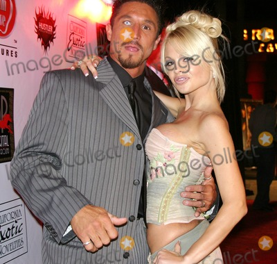 Jesse Jane Photo - Pirates World Premiere Starring Jesse Jane Egyptian Theatre Hollywood CA 09-12-2005 Photo Clinton Hwallace-photomundo-Globe Photos Inc Jesse Jane and Tommy Gunn