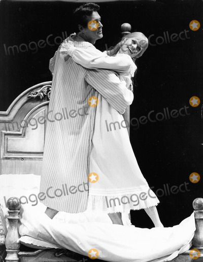 Juliet Prowse Photo - Juliet Prowse with Rock Hudson in  I Do I Do   londonphoto by cp-globe Photos Inc