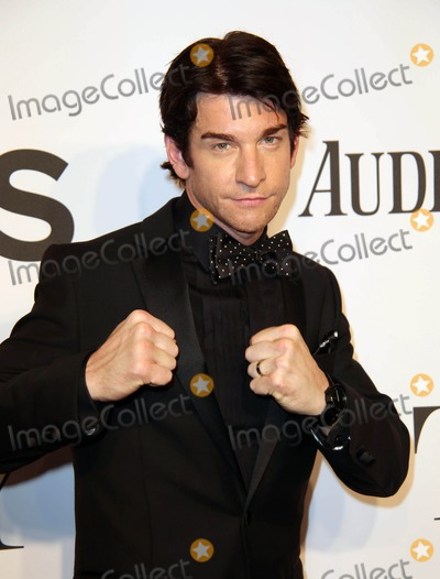Andy Karl Photo - The 2014 68th Annual Tony Awards Radio City Music Hall NYC June 8 2014 Photos by Sonia Moskowitz Globe Photos in 2014 Andy Karl