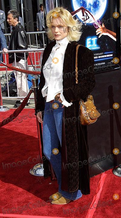 Erika Eleniak Photo - Erika Eleniak 20th Anniversary Version of Et the Extra Terrestrial - Premiere Shrine Auditorium Los Angeles CA March 16 2002 Photo by Nina PrommerGlobe Photos Inc2002