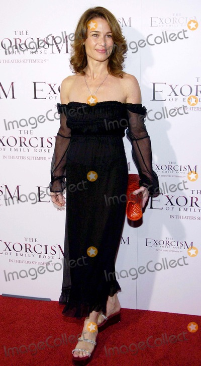 Emily Rose Photo - World Premiere of the Exorcism of Emily Rose Cinerama Dome Hollywood CA 09-07-05 Photo David Longendyke-Globe Photos Inc 2005 Julie Warner