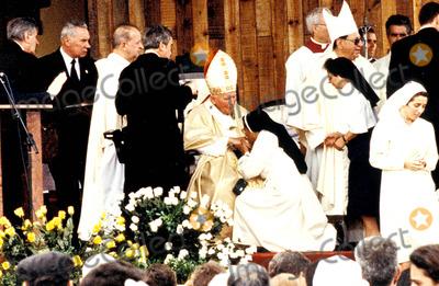 John Paul Photo - Sd0198 Pope John Paul Ii Visit to Havana Cuba Photo Lynsey Addario  Globe Photos Inc 1998