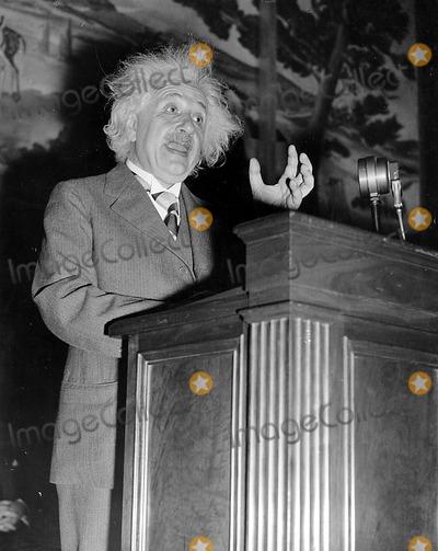 Albert Einstein Photo - Dr Albert Einstein 1946 Globe Photos Inc