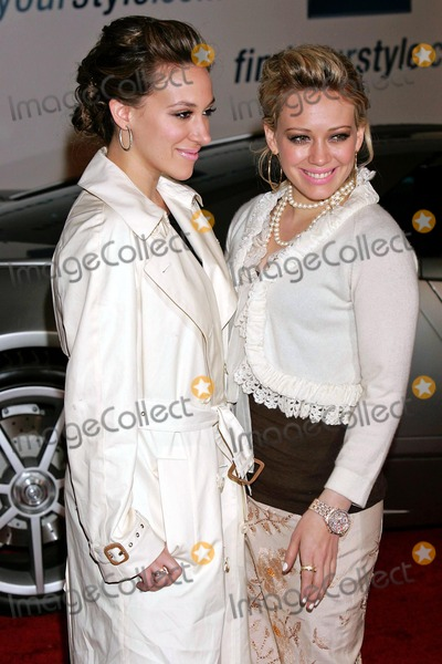 Hilary Duff Photo - Ten Gm-fashion Show Hollywood-ca 2-22-2005 Photo Roger Harvey-Globe Photos Inc 2005 K41920rharv Haylie and Hilary Duff