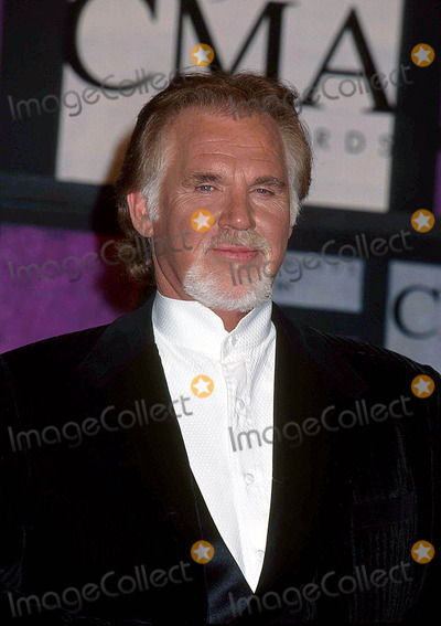 Kenny Rogers Photo - Kenny Rogers at 33rd Annual Country Music Awards-grand Ole Opry Theatre  California 9-22-1999 I3718ta Photo by Tammie Arroyo-ipol-Globe Photos Inc