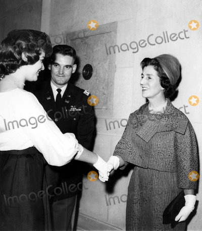 Jacqueline Kennedy Onassis Photo - Mrs Hugh D Auchincloss Mother of Jacqueline Kennedy Onassis Greets Friends at a Recent Washington Party 21961 Globe Photos Inc Jacquelinekennedyonassisobit