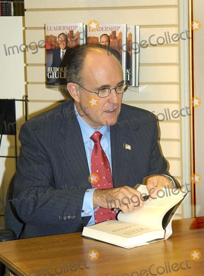 Book Review: Leadership by Rudy Giuliani