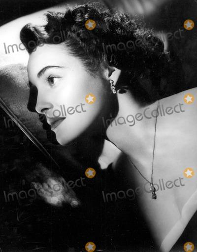 Patricia Neal Photo - Patricia Neal in 1952 30030 Photo by Globe Photos Inc Patricianealretro