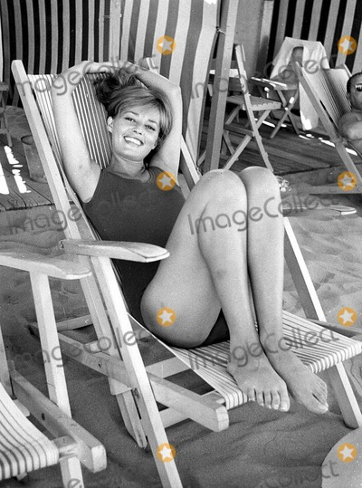 Jeanne Moreau Photo - Jeanne Moreau 1962 2556 Photo by Ipol Archive-ipol-Globe Photos Inc