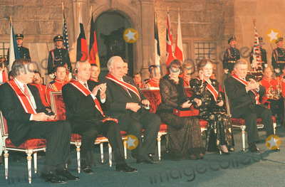 George Bush Photo - Years After the Fall of the Berlin Wall President Vaclav Havel Honored George Bush Michael Gorbatschow Helmut Kohl Margaret Thatcher and Lech Walesa