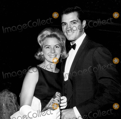 John Gavin Photo - John Gavin with His Wife Cindy Gavin at Song Premiere Photo by Globe Photos Inc